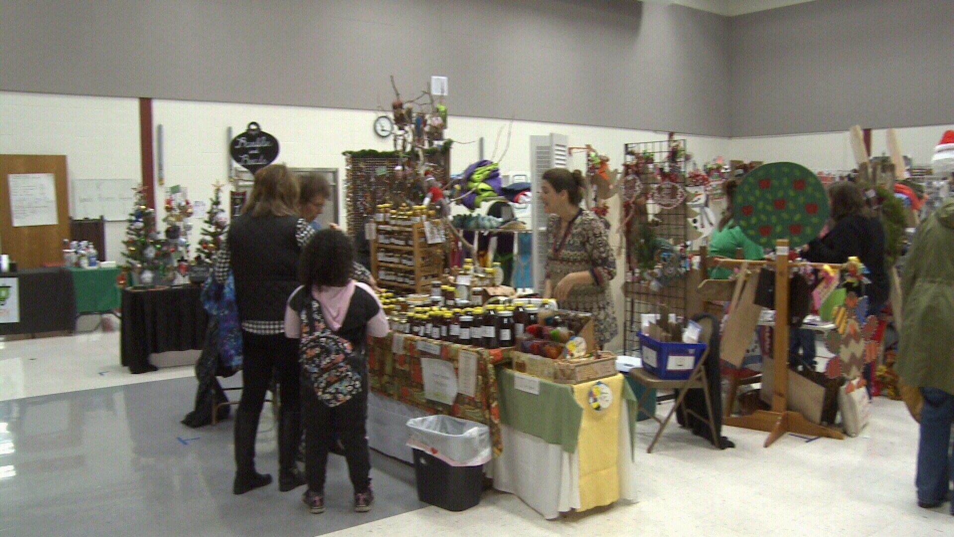 Cecil floyd craft show draws vendors from five states for Floyd county arts and crafts festival